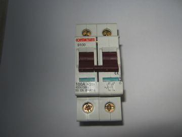 CONTACTUM 9100 100 AMP MAIN SWITCH.